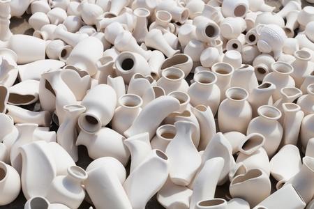 earthen: Molti vasi di coccio tenuti per l'essiccazione al sole