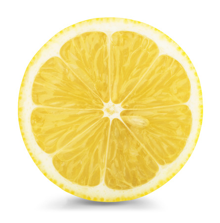 schijfje citroen isolatad op een witte achtergrond.
