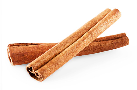 cannelle: cinnamon isolated on a white background