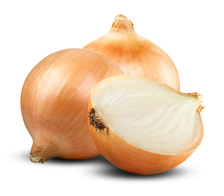 Fresh onion bulbs isolated on white background Foto de archivo