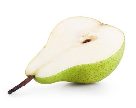 pera: La mitad de pera aislado en fondo blanco. Trazado de recorte