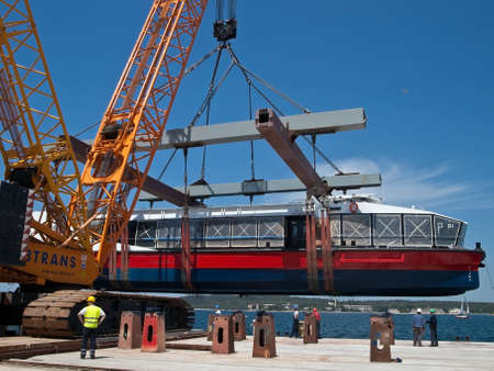 launching new catamaran with launching device
