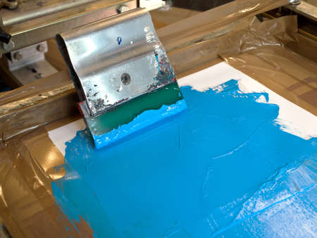 silk screen: screen printing equipment and squeege
