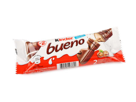 Pula, Kroatië - 14 november 2015: Kinder Bueno chocolade reep. Kinder Bueno is een Chocolate Bar Made By Italiaanse Confectionery Maker Ferrero.