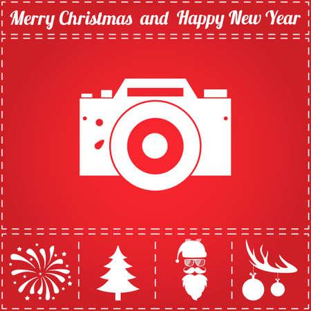 DSLR 아이콘 벡터입니다. 그리고 새해 - 산타 클로스, 크리스마스 트리, 불꽃 놀이, 사슴 뿔에 공을위한 보너스 상징 일러스트