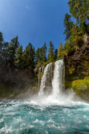 Oregon waterfall 版權商用圖片