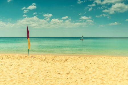 Beach tolerante zwemmen vlag. Stockfoto