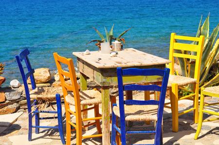 Eethoek met uitzicht op zee. Griekenland Stockfoto