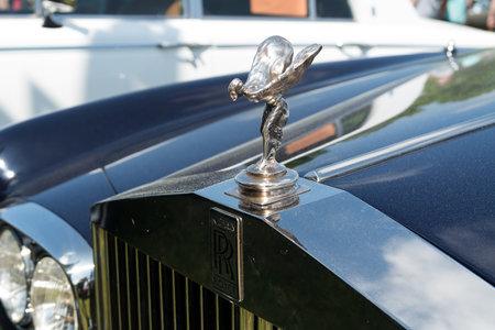"""�xtasis: Paaren IM Glien, Alemania - 19 de mayo: El emblema de Rolls-Royce, el Esp�ritu del �xtasis, """"El show veterano"""" en MAFZ, 19 de mayo de 2013, de Paaren im Glien, Alemania Editorial"""