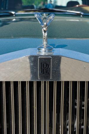 """extase: Paaren IM Glien, Duitsland - 19 mei: Het embleem van Rolls-Royce, Spirit of Ecstasy, 'De oldtimer-show """"in MAFZ, 19 mei 2013 in Paaren im Glien, Duitsland Redactioneel"""