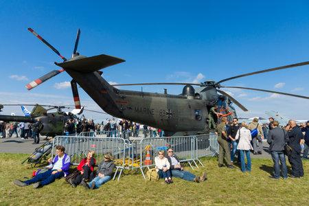 """mk: BERLIN - 14 de septiembre: helic�ptero Westland Lynx Mc 88 Un mar (Deutsche marina), Sal�n Internacional Aeroespacial """"ILA Berlin Air Show"""", 14 de septiembre de 2012 en Berl�n, Alemania"""