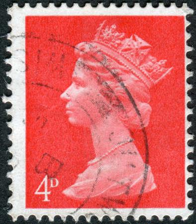 queen elizabeth ii: UNITED KINGDOM - CIRCA 1969: Postage stamp printed in England, shows a portrait of Queen Elizabeth II, circa 1969