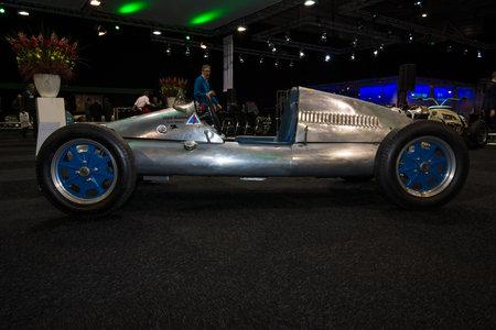 mk: MAASTRICHT, NETHERLANDS - JANUARY 08, 2015: Racing car Cooper Mk V, 1951. International Exhibition InterClassics & Topmobiel 2015 Editorial