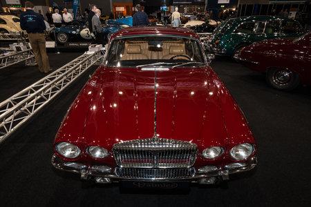 sovereign: MAASTRICHT, NETHERLANDS - JANUARY 09, 2015: Luxury car Daimler Sovereign Double-Six Serie 2 LWB, 1973. International Exhibition InterClassics & Topmobiel 2015