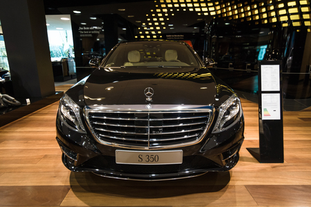 lang: BERLIN - JANUARY 24, 2015: Full-size luxury car Mercedes-Benz S350 BT Lang (W222). Produced since 2013.