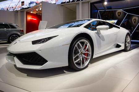 lamborghini: BERLIN - MAY 02, 2015: Showroom. Sports car Lamborghini Huracan Lr 610 4. Produced since 2014.
