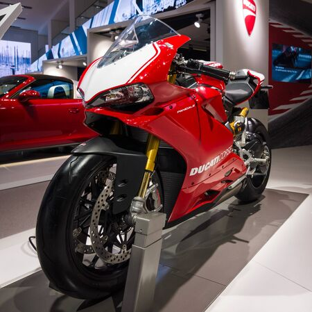 corse: BERLIN - MAY 02, 2015: Showroom. Sport bike Ducati 1299 Panigale by Ducati Corse racing team. Produced since 2015.