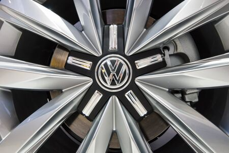 t5: BERLIN - MAY 02, 2015: Showroom. Wheels and braking system of a popular light commercial vehicle Volkswagen Transporter (T5). Produced since 2010.