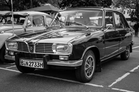tl: BERLIN - MAY 10, 2015: Large family car Renault 16TL. Black and white. 28th Berlin-Brandenburg Oldtimer Day
