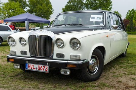 daimler: PAAREN IM GLIEN, GERMANY - MAY 23, 2015: Luxury car Daimler limousine DS420, 1986. The oldtimer show in MAFZ.