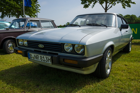 coupe: PAAREN IM GLIEN, GERMANY - MAY 23, 2015: Mid-size coupe Ford Capri. The oldtimer show in MAFZ. Editorial