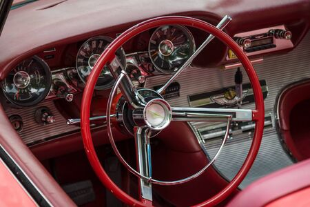 thunderbird: PAAREN IM GLIEN, GERMANY - MAY 23, 2015: Cabin of a personal luxury car Ford Thunderbird (third generation). The oldtimer show in MAFZ. Editorial