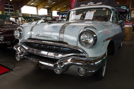 chieftain: PAAREN IM GLIEN, GERMANY - MAY 23, 2015: Full-size car Pontiac Chieftain, 1956. The oldtimer show in MAFZ. Editorial