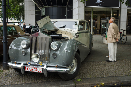 wraith: BERLIN - JUNE 14, 2015: Full-size luxury car Rolls-Royce Silver Wraith, 1951. The Classic Days on Kurfuerstendamm.