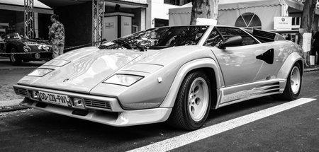 lamborghini: BERLIN - JUNE 14, 2015: Luxury sports car Lamborghini Countach 5000 Quattrovalvole. The Classic Days on Kurfuerstendamm.
