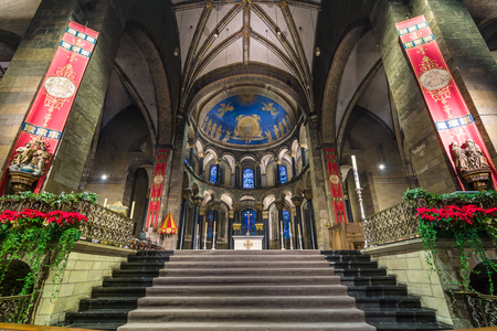 our lady: MAASTRICHT, NETHERLANDS - JANUARY 13, 2016: Interior of Basilica of Our Lady of the Assumption. The oldest church of the Netherlands. Construction started shortly after 1000 AD. Editorial