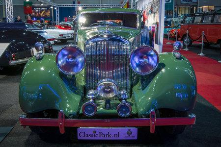 litre: MAASTRICHT, NETHERLANDS - JANUARY 14, 2016: Retro car Bentley 4.25 Litre Sports Saloon by Park Ward, 1938. International Exhibition InterClassics & Topmobiel 2016 Editorial