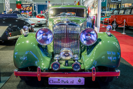 litre: MAASTRICHT, NETHERLANDS - JANUARY 14, 2016: Vintage car Bentley 4.25 Litre Sports Saloon by Park Ward, 1938. International Exhibition InterClassics & Topmobiel 2016 Editorial