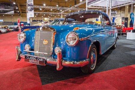 ponton: MAASTRICHT, NETHERLANDS - JANUARY 14, 2016: Luxury car Mercedes-Benz 220S Convertible (W180), 1959. International Exhibition InterClassics & Topmobiel 2016 Editorial