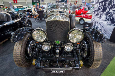 vi: MAASTRICHT, NETHERLANDS - JANUARY 15, 2016: Vintage car Bentley Special Speed 8 (built on the chassis Bentley Mark VI), 1948. International Exhibition InterClassics & Topmobiel 2016