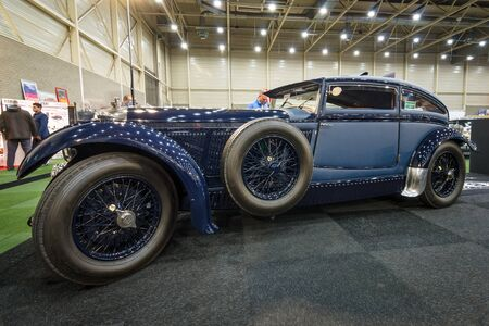 vi: MAASTRICHT, NETHERLANDS - JANUARY 15, 2016: Vintage car Bentley Special Blue Train (built on the chassis Bentley Mark VI), 1951. International Exhibition InterClassics & Topmobiel 2016