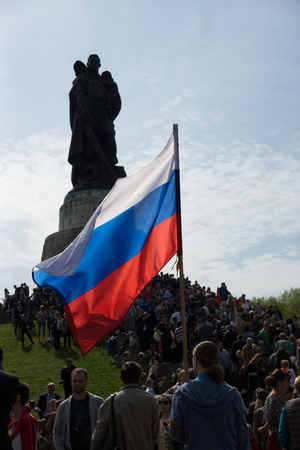 the liberator: BERLIN - MAY 09, 2015: Victory Day. Monument to the Liberator Soldier in Treptow Park. Editorial