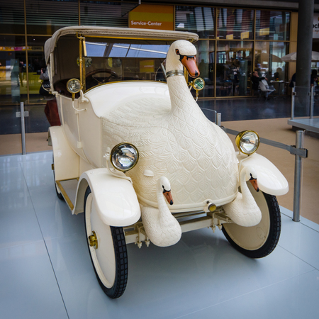 cygnet: STUTTGART, GERMANY - MARCH 18, 2016: Vintage electric car Cygnet, Baby Swan Car, 1920. Europes greatest classic car exhibition RETRO CLASSICS Editorial