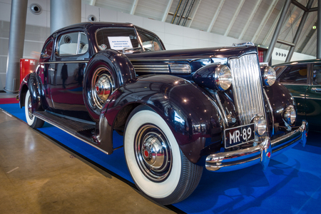 coupe: STUTTGART, GERMANY - MARCH 18, 2016: Luxury car Packard Eight Coupe, 1932. Europes greatest classic car exhibition RETRO CLASSICS