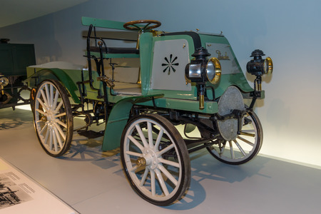 motorized: STUTTGART, GERMANY- MARCH 19, 2016: Vintage car Daimler Motor-Geschaeftswagen (Daimler motorized business vehile), 1899. Mercedes-Benz Museum.