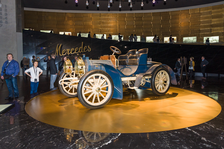 ps: STUTTGART, GERMANY- MARCH 19, 2016: Vintage car Mercedes-Simplex 40 PS, 1902. Mercedes-Benz Museum.