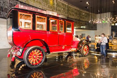 ps: STUTTGART, GERMANY- MARCH 19, 2016: Vintage car Mercedes-Simplex 60 PS Touring Limousine, 1904. Mercedes-Benz Museum.