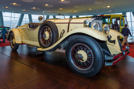 roadster: STUTTGART, GERMANY- MARCH 19, 2016: Roadster Mercedes-Benz 24100140 PS, 1926. Owners of this car: Oscar Henschel (industrialist), Enrico Rastelli (juggler), Emil Jannings (actor). Mercedes-Benz Museum.