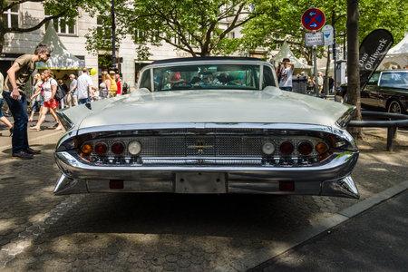 mk: BERLIN - JUNE 05, 2016: Full-size luxury car Lincoln Continental Mk III. Rear view. Classic Days Berlin 2016. Editorial