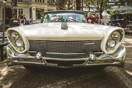 mk: BERLIN - JUNE 05, 2016: Full-size luxury car Lincoln Continental Mk III. Vintage toning. Classic Days Berlin 2016. Editorial