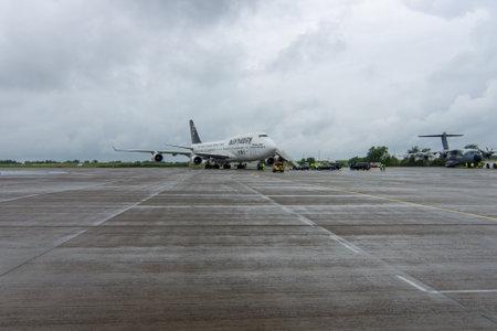 """747 400: Berlino, Germania - 1 GIUGNO 2016: l'aeroporto internazionale di Schoenefeld. Boeing 747 """"Ed Force One"""" degli Iron Maiden. Il tour mondiale """"The Book of Souls"""""""