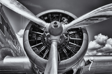 Radial engine of an aircraft. Close-up. Black and white. 免版税图像