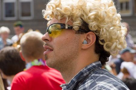 transexual: BERLÍN, ALEMANIA - 22 de junio, 2013: Christopher Street Day. La celebración anual europea LGBT y la demostración por los derechos de las personas LGBT.