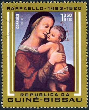 alte: GUINEA - BISSAU - CIRCA 1983: A stamp printed in Guinea-Bissau, shows a painting Tempi Madonna by Raphael, a collection of Alte Pinakothek in Munich, circa 1983