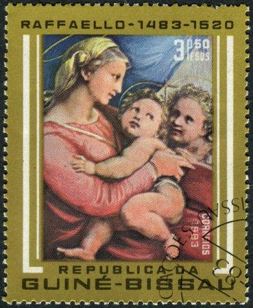 alte: GUINEA - BISSAU - CIRCA 1983: A stamp printed in Guinea-Bissau, shows a painting of Madonna della tenda by Raphael, a collection of Alte Pinakothek in Munich, circa 1983