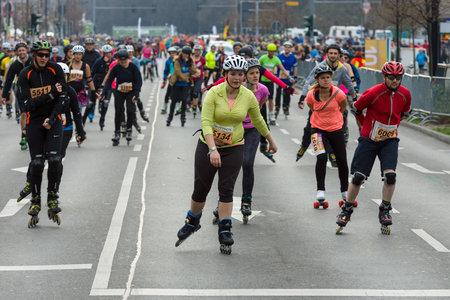 BERLIN - APRIL 02, 2017: The annual 37th Berlin Half Marathon. Roller on the road. Editoriali